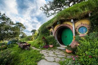 bag-end-hobbiton-movie-set-matamata-nz-clfwmq