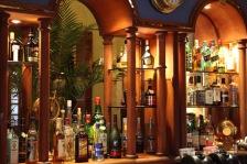 savoy-hotel-yangon-restaurant-captains-bar-4