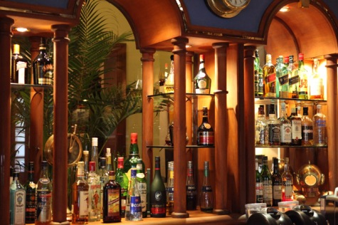 savoy-hotel-yangon-restaurant-captains-bar-4