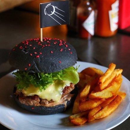 Sputnik Black Burger