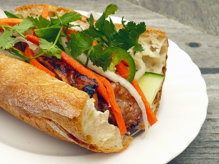 Bánh mì (crédit : Food People Want)
