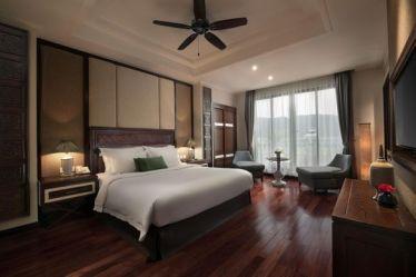 https_www.vntrip.vncam-nangwp-contentuploads201708hidden-charm-hotel-and-resort-3