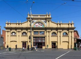 https___upload.wikimedia.org_wikipedia_commons_thumb_5_52_Queen_Victoria_Market_Melbourne_2017-10-29_01.jpg_1200px-Queen_Victoria_Market_Melbourne_2017-10-29_01